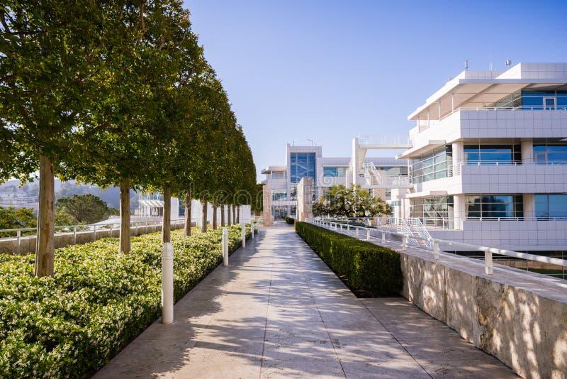 Juni 8, 2018 Los Angeles/CA/USA - landskap på den Getty mitten, komplex som planläggs av arkitekten Richard Meier arkivbild