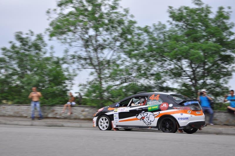 2 juni 2011 - Premier Yalta Rally 2011 De meest prestigieuze en uitdagende autoconcurrentie in Oekraïne Yalta, Krim, stock foto's