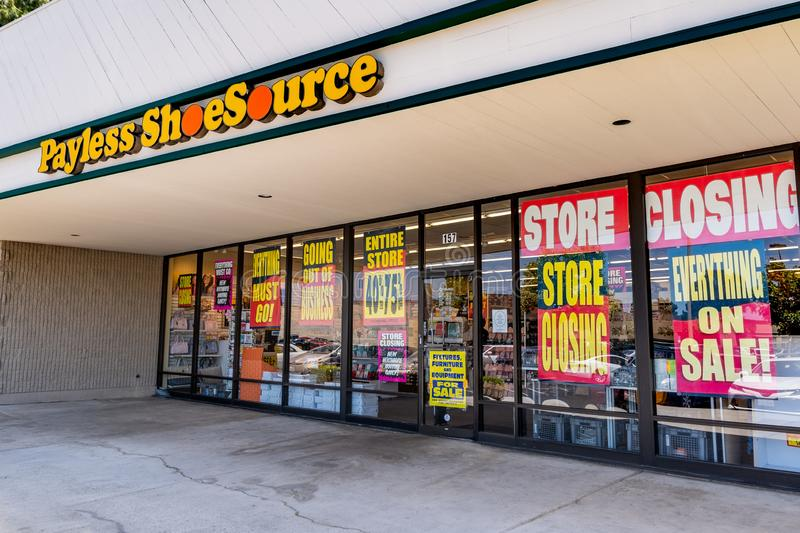 Juni 1, 2019 Sunnyvale/CA/USA - Payless Shoesource lager med royaltyfria foton