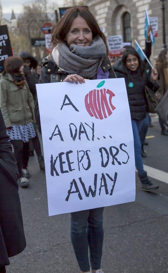 Junior Doctors March sul Downing Street fotografie stock libere da diritti