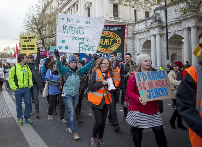 Junior Doctors March sul Downing Street immagini stock libere da diritti