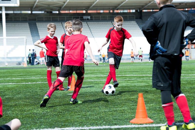 Junior Football Team Practicing immagini stock libere da diritti