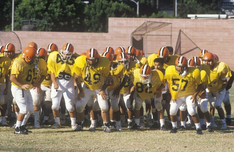 Junior League Football övning, Beverly Hills High School, Los Angeles, CA royaltyfria bilder
