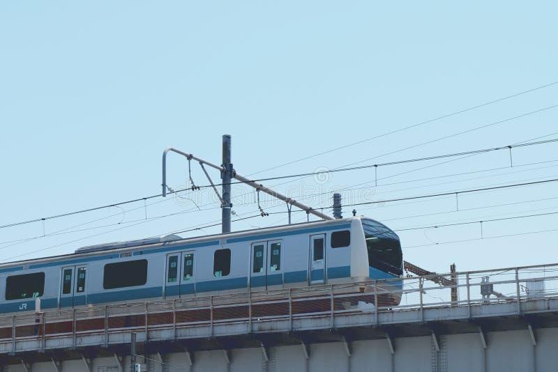 JUNIOR Skytrain nella stazione di Ueno immagine stock