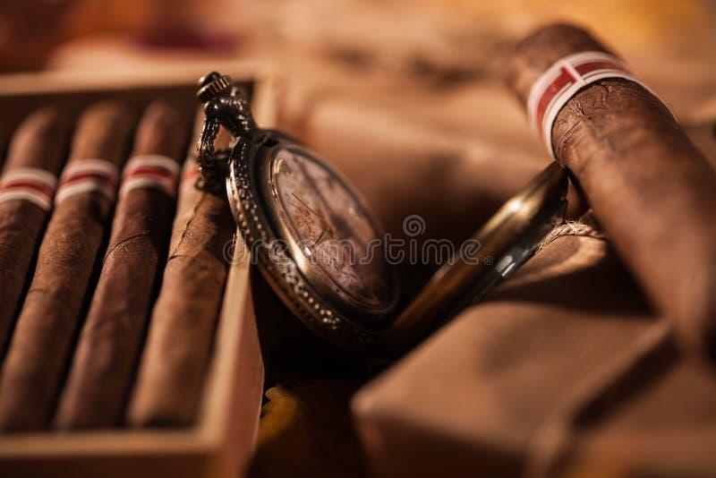 Junte las cajas de cigarros finos - un gran regalo del mejor amigo foto de archivo libre de regalías