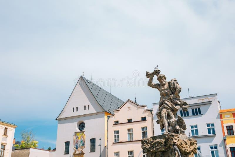 Jupiter-Brunnen und Dolni Namesti-Altstadt-Platz in Olomouc, Tschechische Republik lizenzfreie stockfotos