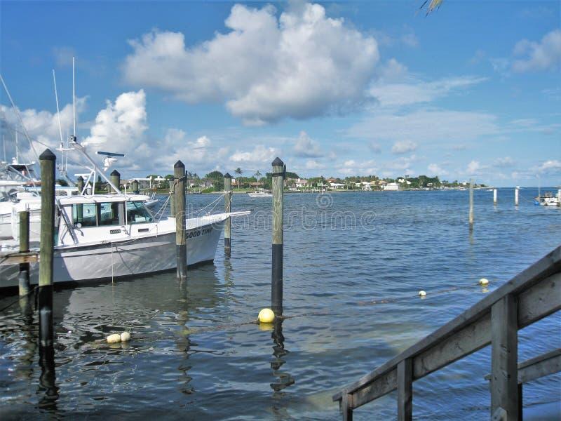 Jupiter Inlet Boat Dock royaltyfria bilder