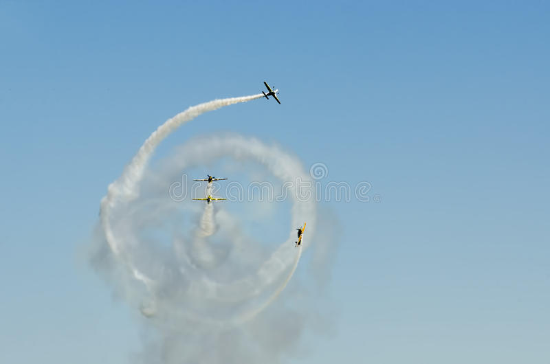 Jurgis Kairys en Iacarii-acrobatiteam royalty-vrije stock foto