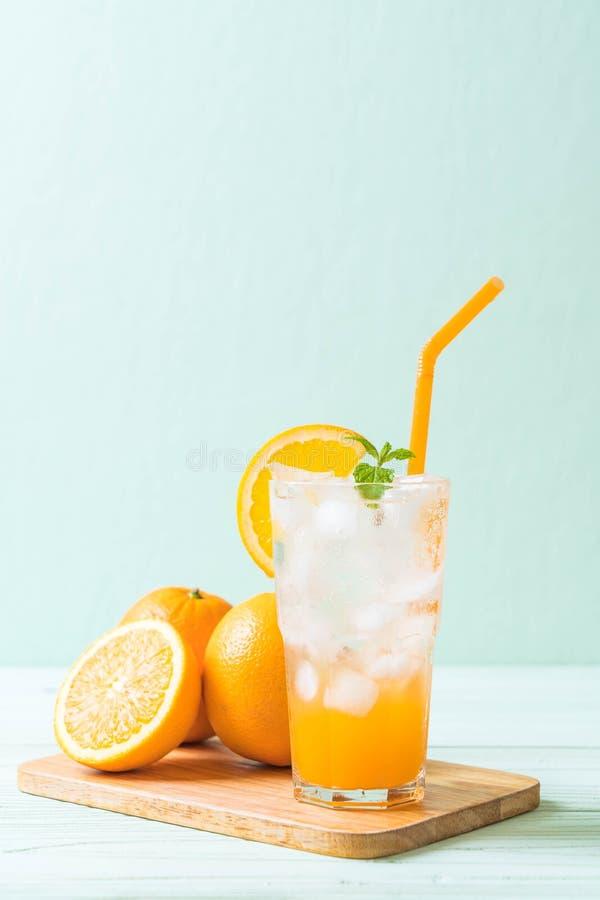 jus d'orange avec la soude photographie stock