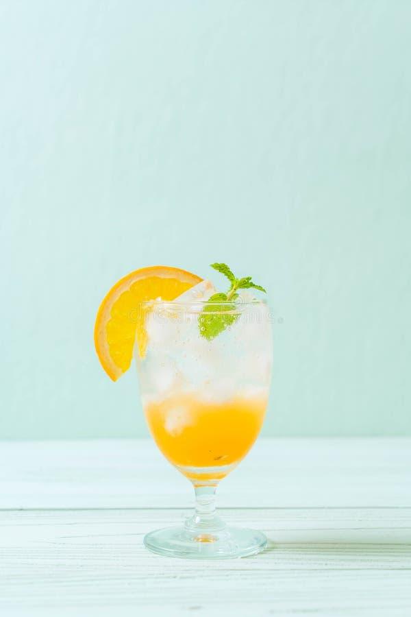 jus d'orange avec la soude image libre de droits