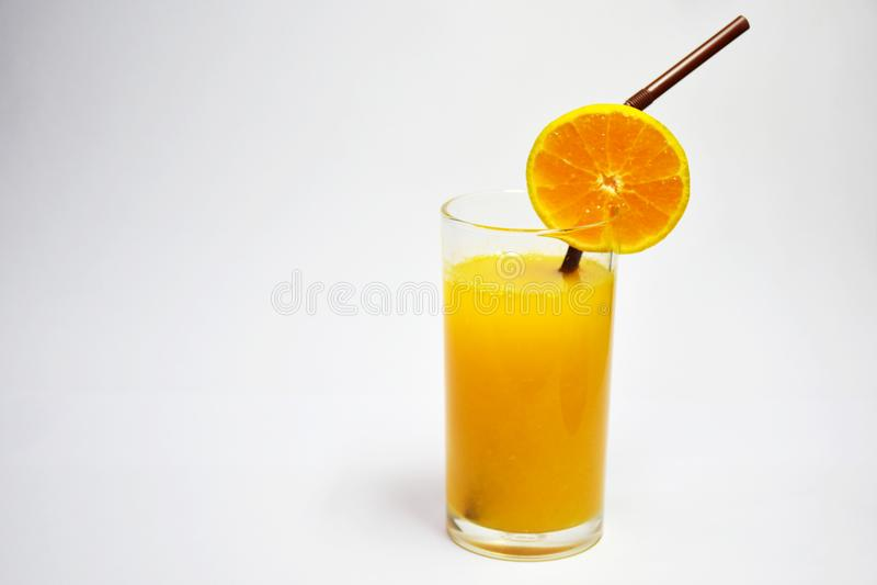 Jus d'orange, jus de fruit de 100%, salutaires au corps, à la boisson à nourrir et aux soins de santé photos stock