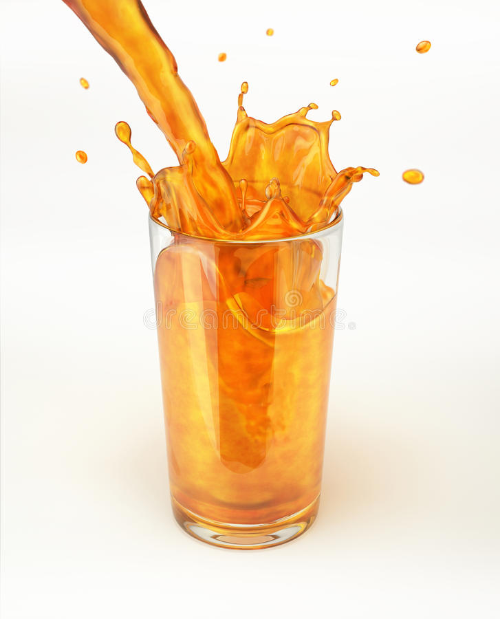Jus d'orange het gieten in een glas, dat een plons vormt. stock fotografie