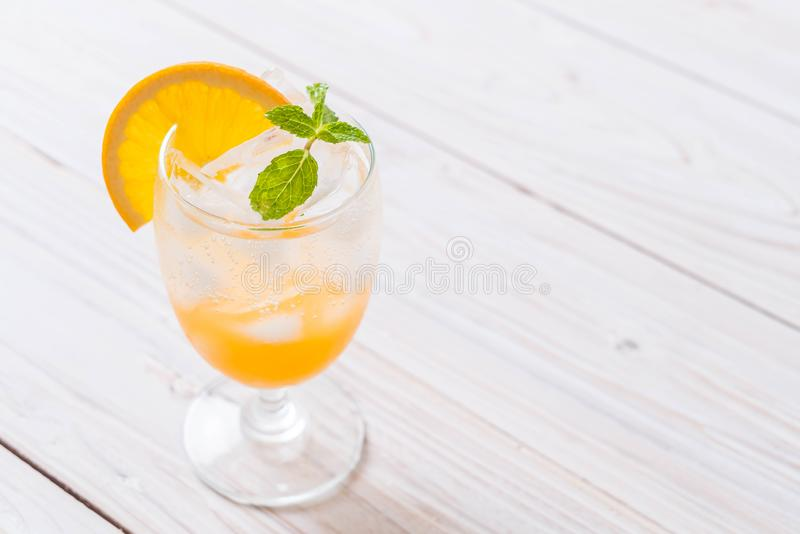 jus d'orange met soda royalty-vrije stock afbeeldingen