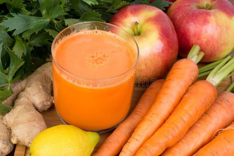 Jus de carotte photo libre de droits