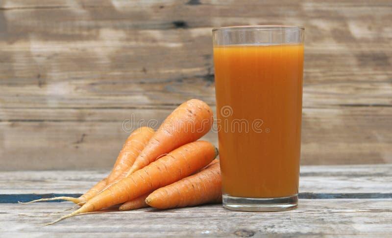 Jus de carotte image libre de droits