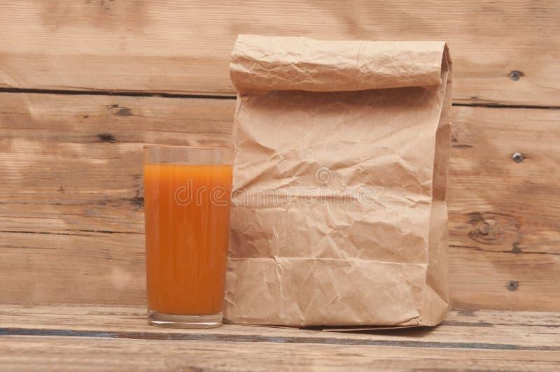 Jus de carotte frais image stock