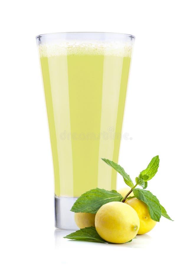 Jus de citron frais image libre de droits