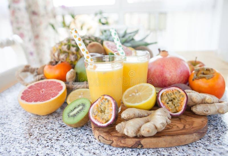 Jus de fruit pressé frais photographie stock