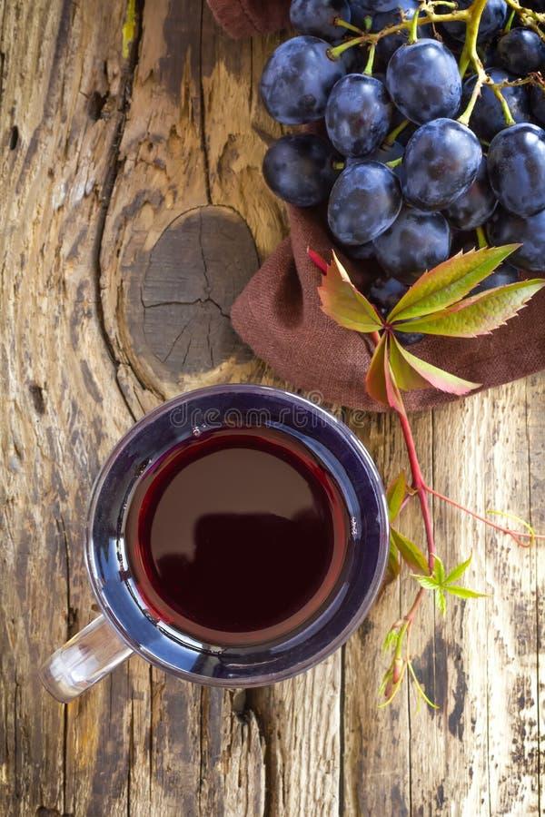 Download Jus de raisins photo stock. Image du liquide, fruit, juteux - 45356594