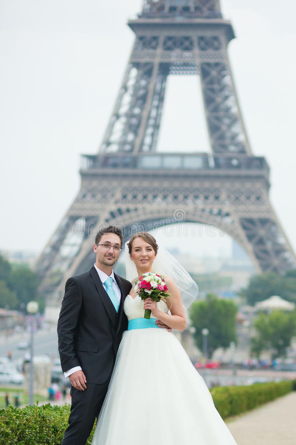 Just married couple in Paris near royalty free stock images