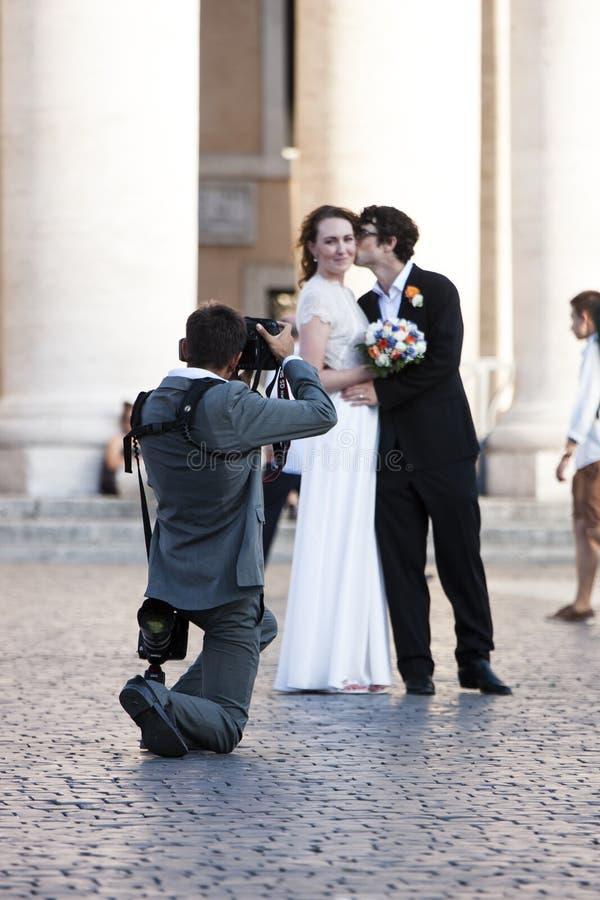 Juste marié - tir de mariage photos libres de droits