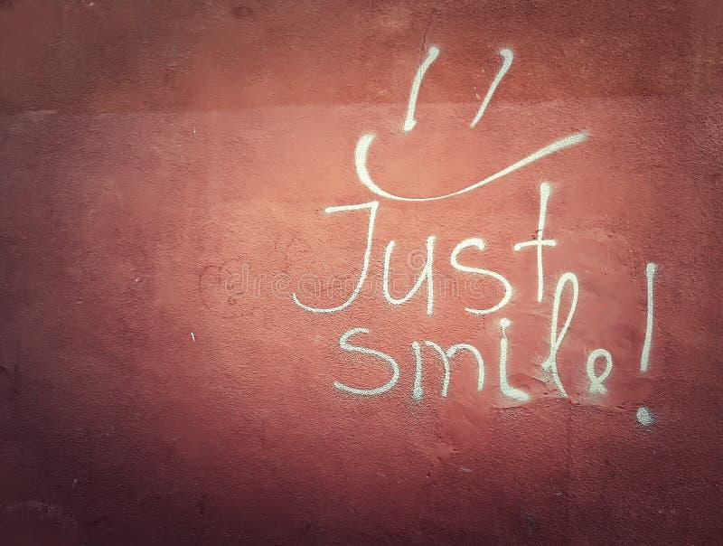 Juste sourire photos libres de droits
