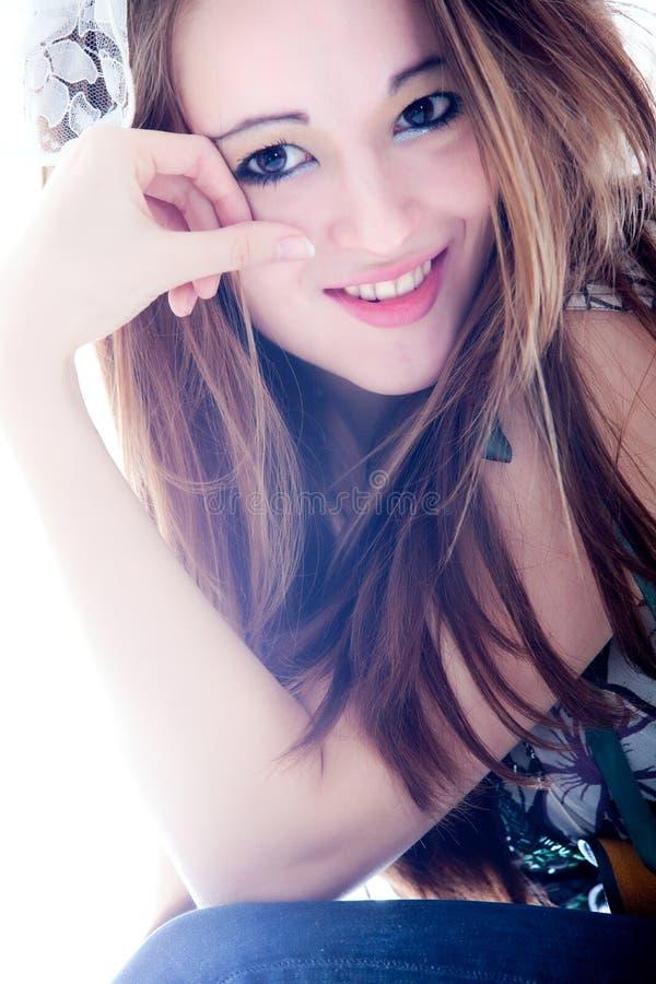 Juste une fille de sourire photo libre de droits