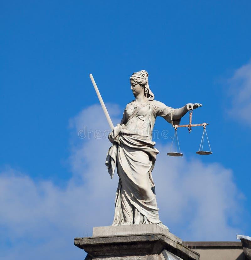 justice (Justitia)夫人雕象在都伯林 库存图片