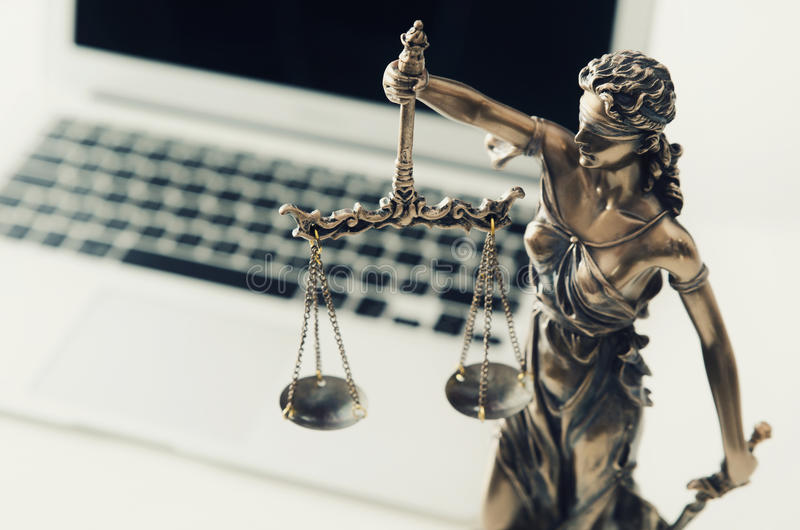 Justicia y concepto de la ley en tecnología imágenes de archivo libres de regalías