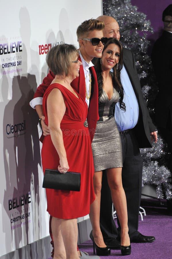 Justin Bieber & Diane Dale & Pattie Mallette & Bruce Dale arkivbilder
