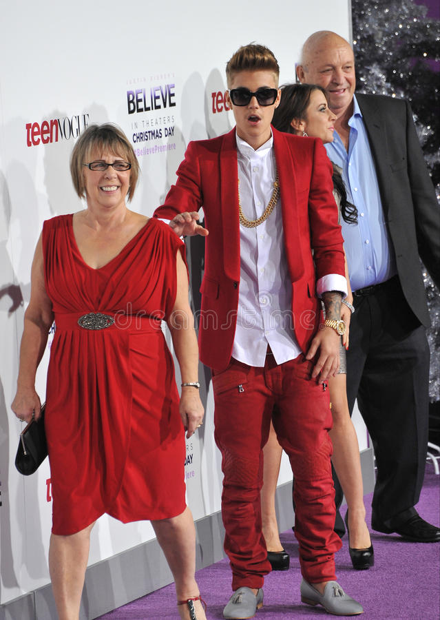 Justin Bieber & Diane Dale & Pattie Mallette & Bruce Dale arkivbild