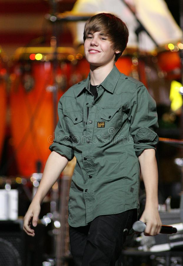 Justin Bieber exécute au SOS se sauvant Téléthon image libre de droits