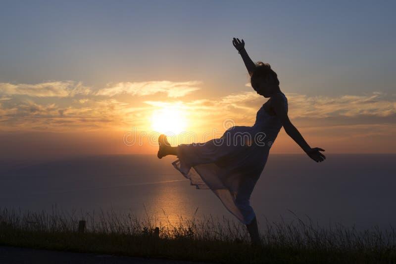 Juventude, dança da menina imagem de stock royalty free