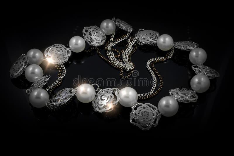 Juwel - Luxushalskette für Frauen stockfotos