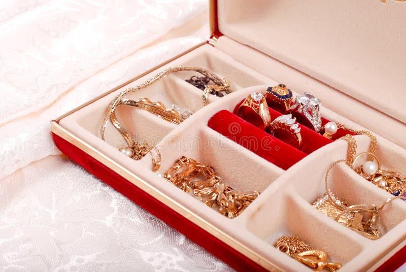 Juwelen in de Doos van Juwelen stock foto