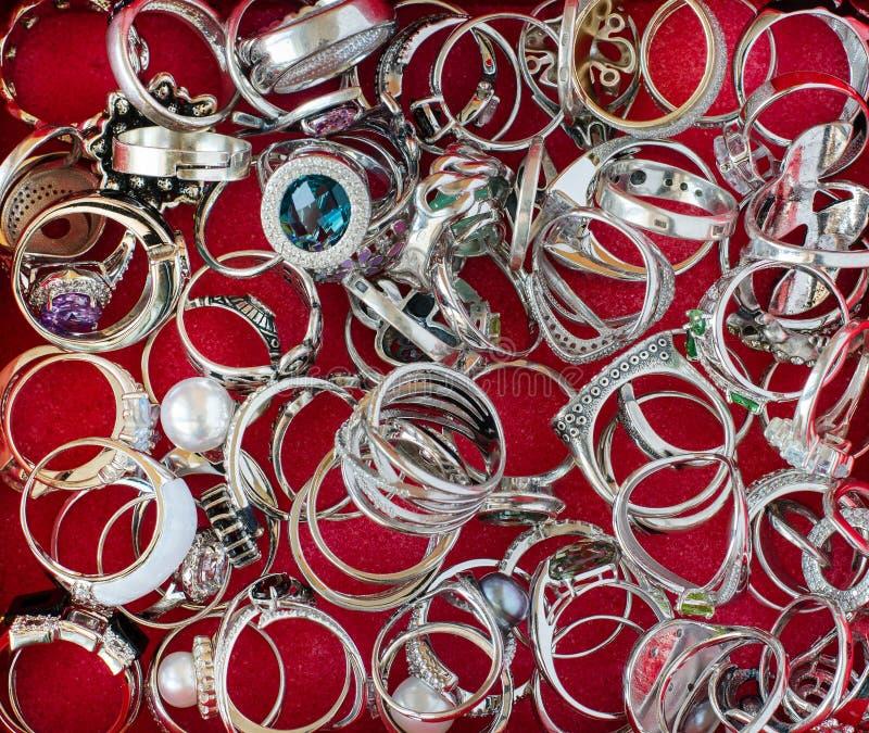 Juwelen echte zilveren ring stock foto