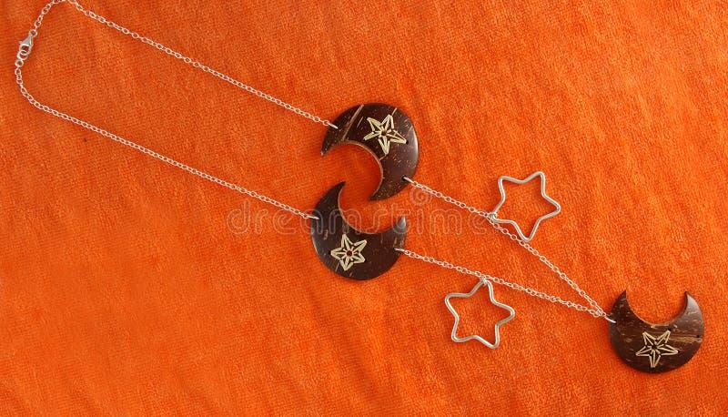 Juwelen en toebehoren voor vrouwen` s kleding Bijouterie, manier en ontwerp royalty-vrije stock afbeelding