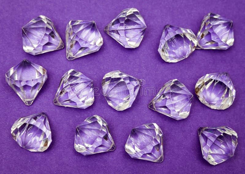 Juwelen Gegen Purpur Stockfoto