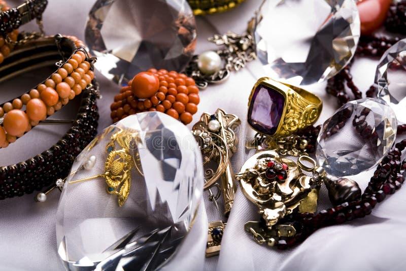 Juwelen u. Ringe stockbilder