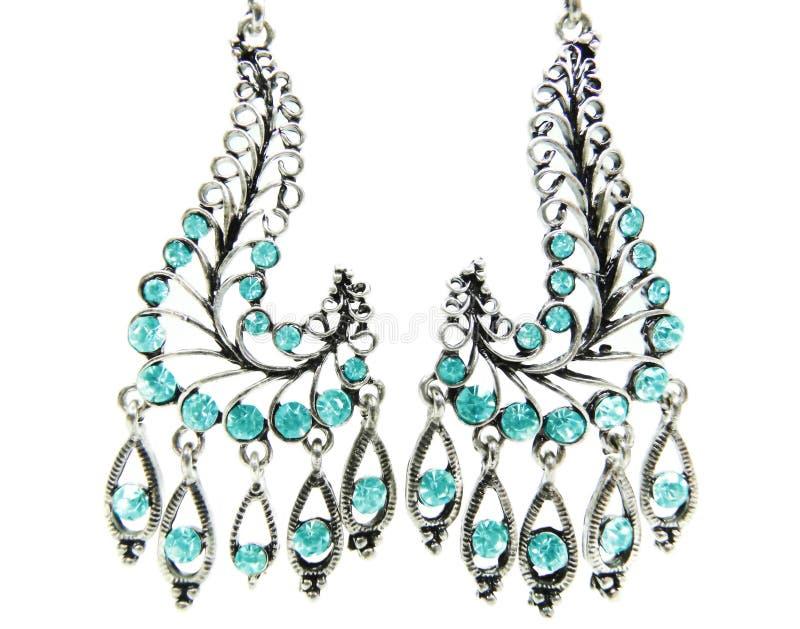 Juwelenoorringen met heldere kristallen stock foto's