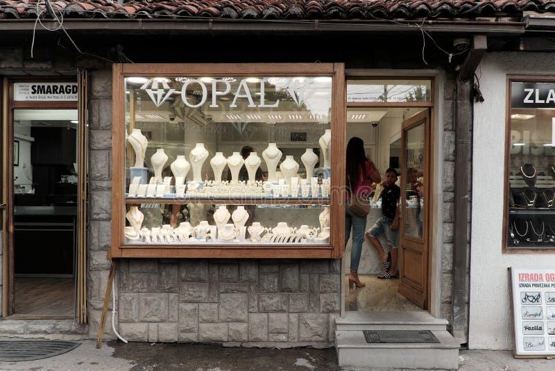 Juwelenstraat in Novi Pazar, Servië stock afbeeldingen