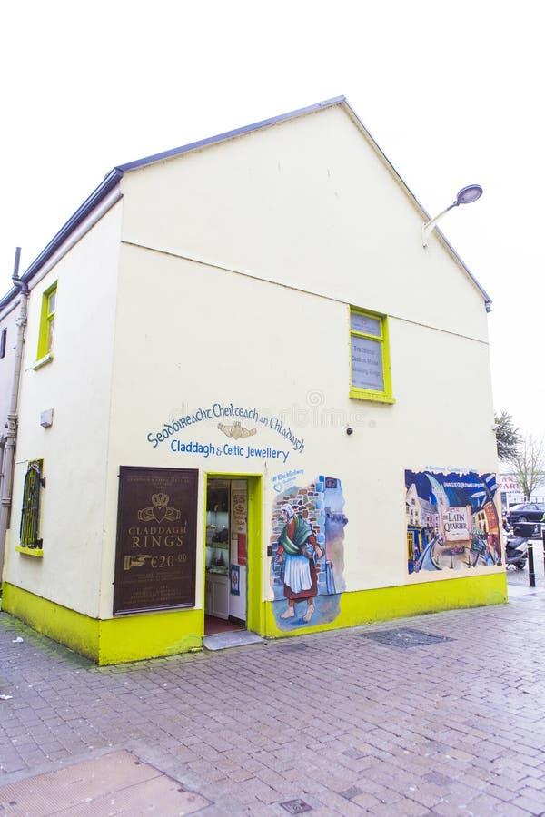 Juwelenwinkel van waar u de Claddagh-ring ` s kunt kopen stock fotografie