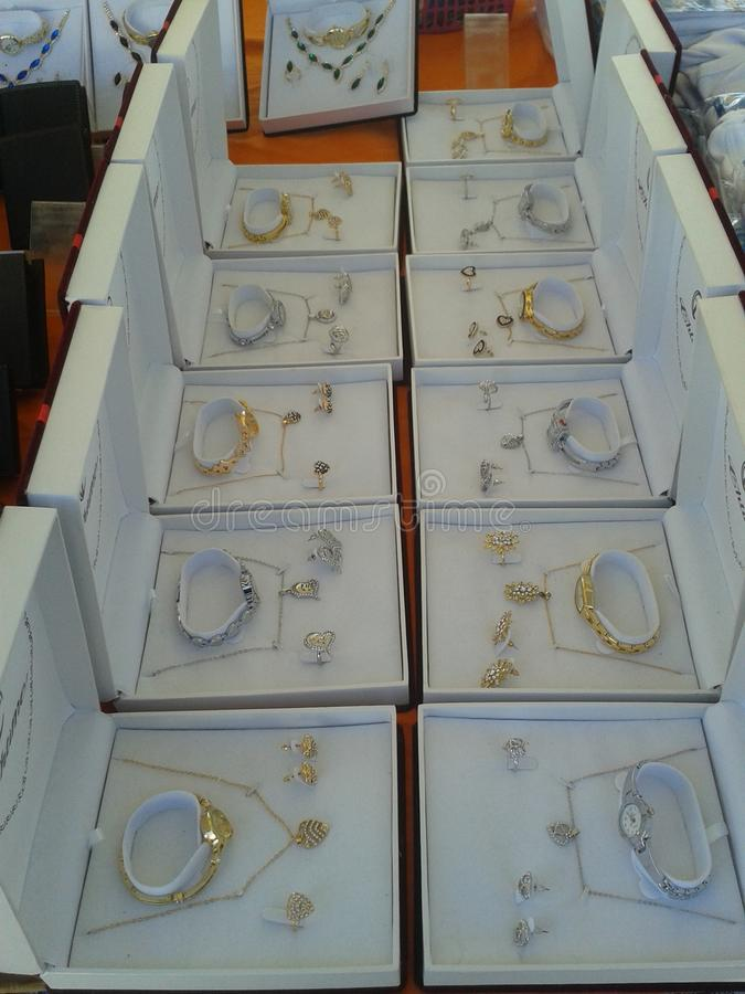 Juwelier für Männer und Frau lizenzfreie stockfotografie