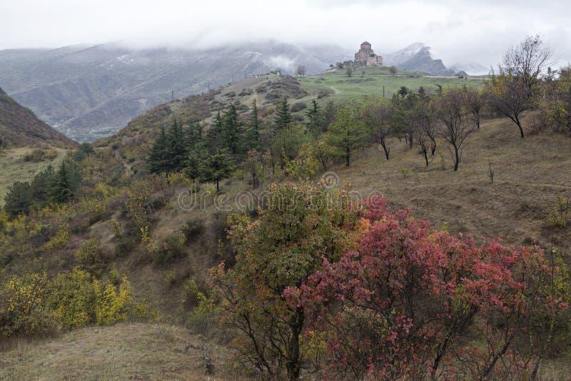 Jvari Monasterry im Herbst, Georgia lizenzfreies stockfoto