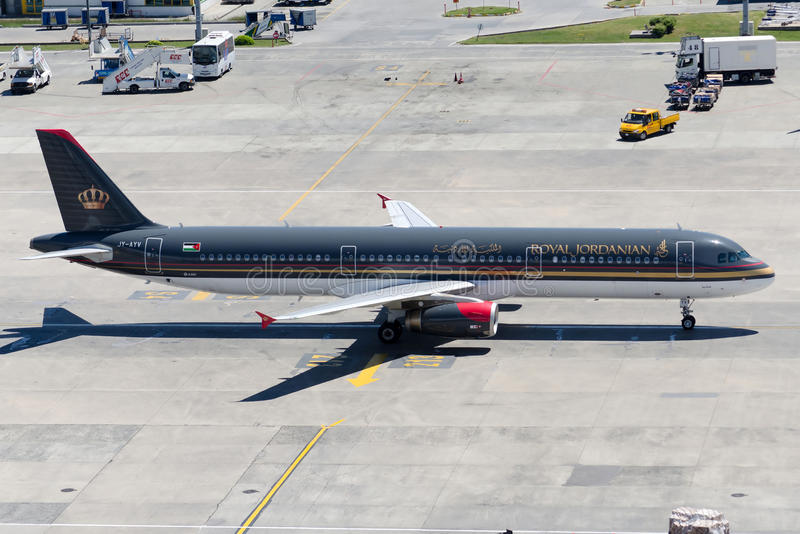 JY-AYV Royal Jordanian Airlines Airbus A320-214 fotografia de stock