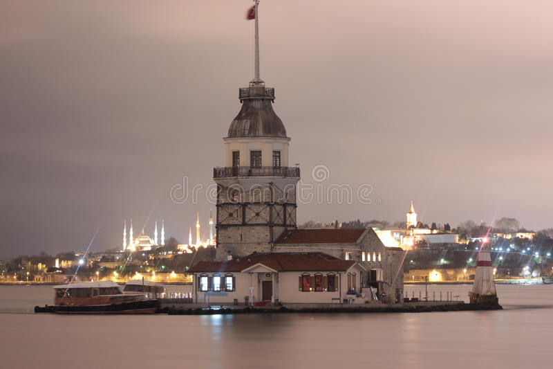 Kız Kulesi, jungfru- torn för ` s arkivbild