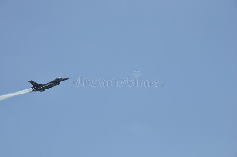 Kämpfender Falke F16 lizenzfreie stockbilder
