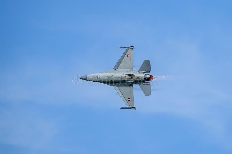 Kämpfender Falke General Dynamics F-16, multirole Überschallkämpfer lizenzfreies stockbild