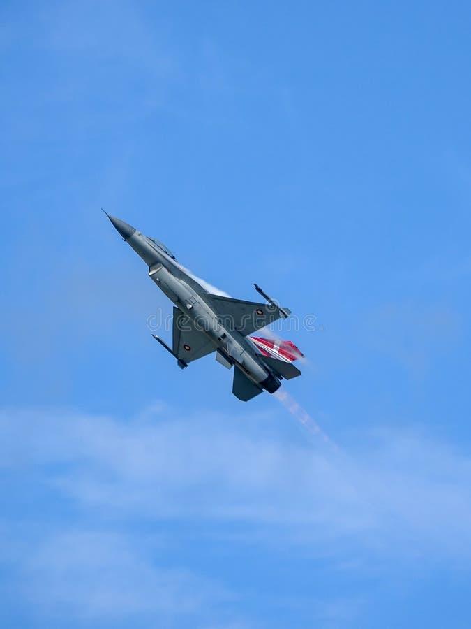 Kämpfender Falke General Dynamics F-16, multirole ÜberschallKampfflugzeug lizenzfreies stockbild