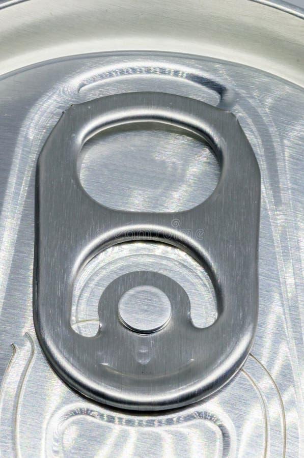 Kännetecknet för stag-fliken öppningsmekanismen av mest dricka på burk fotografering för bildbyråer